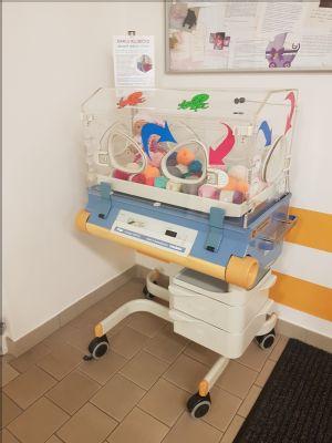 Starý inkubátor pomáhá sbírat bavlněná klubíčka pro miminka z Vítkovické nemocnice