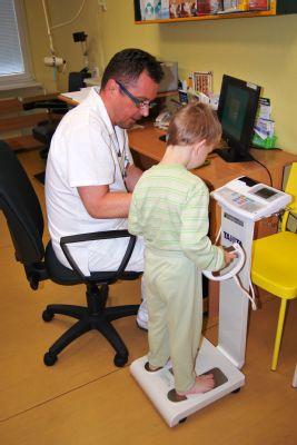 S pomocí Vítkovické nemocnice se děti vánočních kil navíc bát nemusí