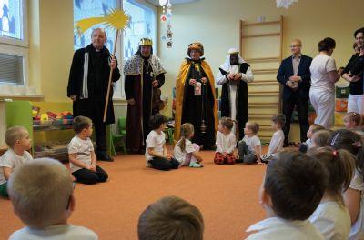 Tři králové přinesli novoroční požehnání i do Vítkovické nemocnice