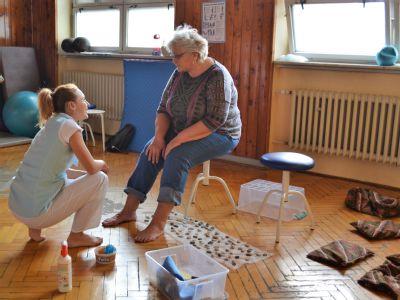 Vítkovická nemocnice trénuje s dětmi i dospělými chodidla na speciálním workshopu